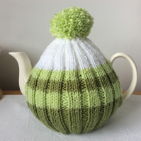 Green and White Tea Cosy fits 4-6 cup pot