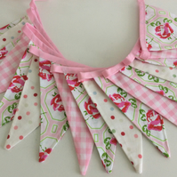 Long pink Bunting - 17flags 10ft 3.3m long plus ties a mix of pink shades