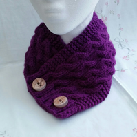 Purple hand-knitted Neckwarmer