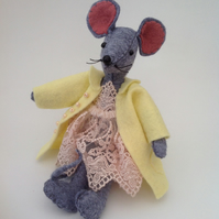 Miss Lizzie Mouse