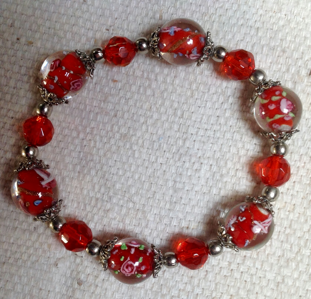 "6.5"" bead bracelet with vintage red Murano glass lampwork and silvertone beads"