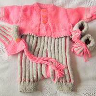 Short Sleeved Baby's Romper Suit With A Cardigan, Hat and Shoes, Baby Outfit