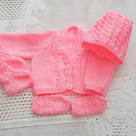 Premature Baby's 4 Piece Cardigan Set Comprising Cardigan Bonnet Mittens & Boots