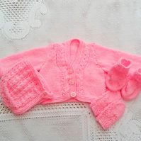 4 Piece Cardigan Set for a Baby Comprising Cardigan Bonnet Mittens and Booties
