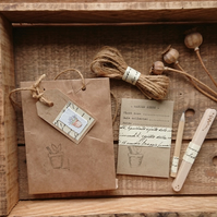 Gardener's Gift Set – Wooden labels, seed envelopes, twine & pencil