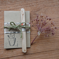 Wooden plant labels & seed envelopes - recyclable, plastic free gardening