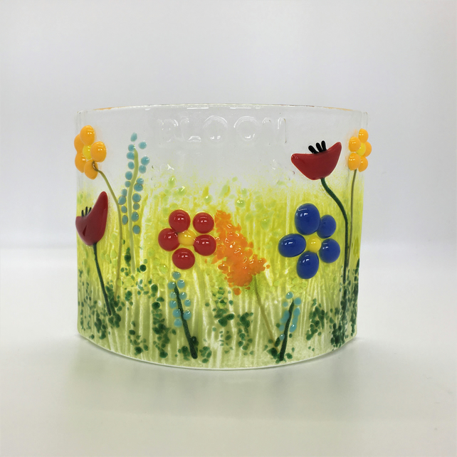 Bright Flower Candle Curve