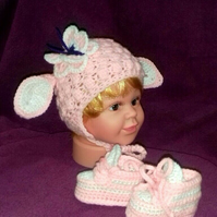 Easter Lamb Sheep Hat and Booties Set, Baby Girl 0-3 month. Crochet. Pink White