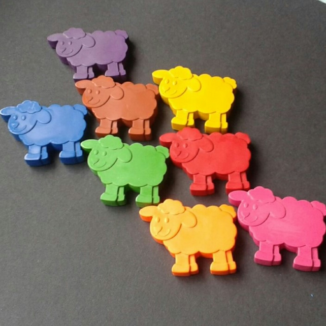 Sheep shaped crayons - Animal crayons - Hand poured - Party bag favours