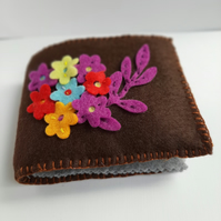 Felt floral applique needle case