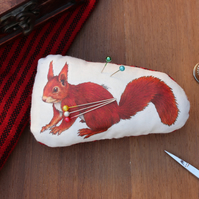 Red Squirrel Welsh Tweed Magnetic Plush Pin Cushion