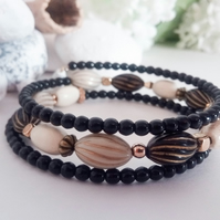 Black, Cream and Gold Memory Wire Bead Bracelet Bangle