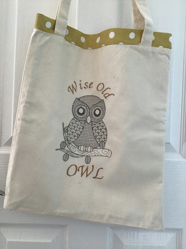 Tote bag with owl.
