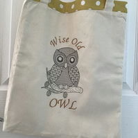 Tote bag with owl. Reduced was 10.00 now 7.00