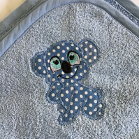 Hooded baby towel blue with koala.