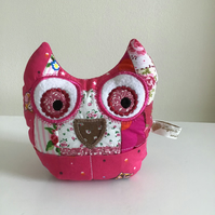 Owl pincushion and storage caddy in pink. Reduced.