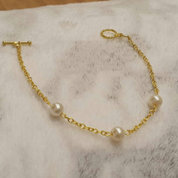 Gold Chain Bracelet with Pearls - Gold Plated or 14K Gold Filled