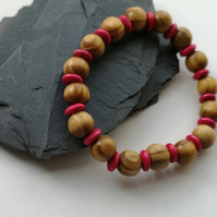 Brown and pink wood elasticated bracelet