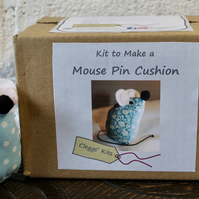 Craft Kit to Make a Mouse Pin Cushion (Blue)