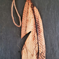 Single carved Feather (C)