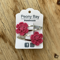 Girl's pink hair clips, pair of pink flower clips