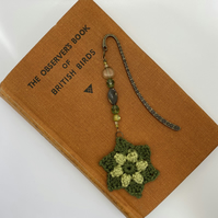 Flower bookmark in green with upcycled beads