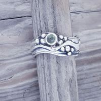 Medium Double Wave Ring with Peridot Size R