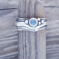 Narrow Wave with Fine Blue Moonstone
