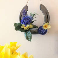 Decorated horseshoe spring flowers