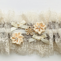 CAROLINA Coffee and Cream Wedding Garter