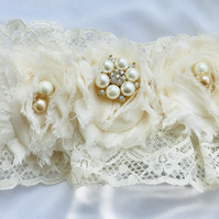 ELLE Cream Wedding Garter