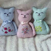 Handmade & embroidered lavender scented cat