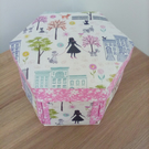 Hexagonal etui sewing box Girl in the Park