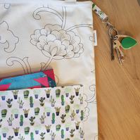 Cactus tote bag with key clip