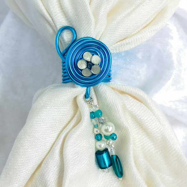 Turquoise scarf ring with silvery white flower, scarf jewel, beads pendant