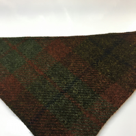 Slide on Dog Bandana Green and Brown Check Harris Tweed With cotton reverse.