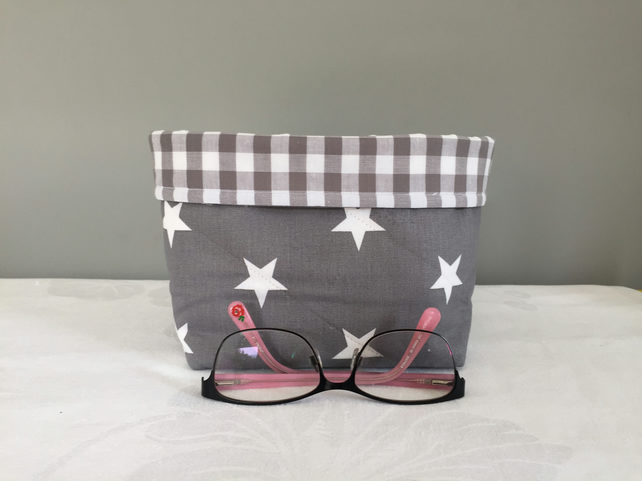 Stars on Grey Quilted Storage Pouch
