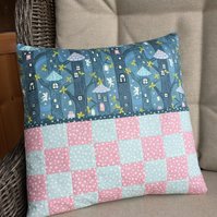 Quilted Cushion with Book Pocket