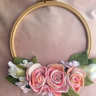 Felt pink ombre rose bouquet  embroidery hoop, wall hanging 18cm CLEARANCE
