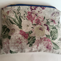 CABBAGES AND ROSES large make up bag