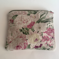 CABBAGES AND ROSES linen make up bag medium