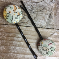 Pair of Liberty button bobby pins, hair grips yellow