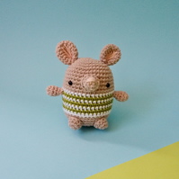 Handmade Mouse Toy, Crochet animal, amigurumi, Pica Pau