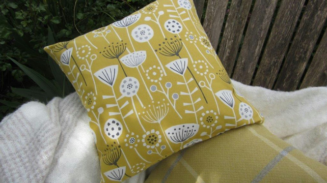 Cow Parsley Cushion Cover Yellow