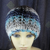 ADULT SLOUCH CROCHET HAT.