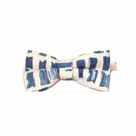 Blue and pink men's bow tie