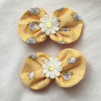Daisy Bow Hair Clips, Summer Hair Accessories, Pretty Hair Bow Clips.
