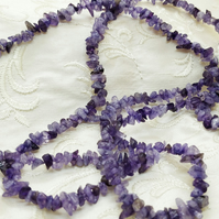 "Small Amethyst Chips, 34"" strand (Ref: 11-2)"