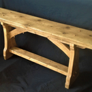 RUSTIC WOODEN BENCH. TRADITIONAL ARTS AND CRAFTS STYLE. Interior use.