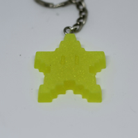 Retro Gamer Star Keyring  (Glows in the dark)